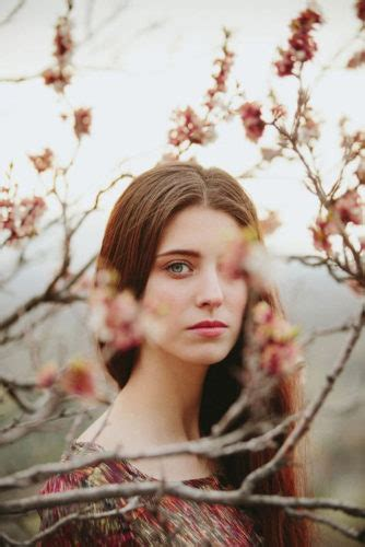 15 Portraits Of Most Beautiful Women With Flowers From