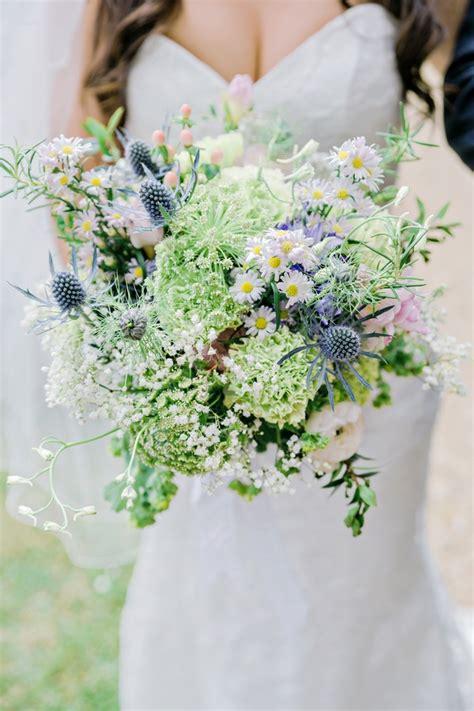 bouquets  brides natural wildflower bouquet