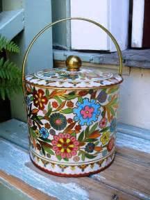 vintage large metal decorative floral biscuit tin