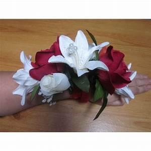 Fleurs Pour Mariage : bracelet de fleurs pour mariage fait avec des roses lys ~ Dode.kayakingforconservation.com Idées de Décoration