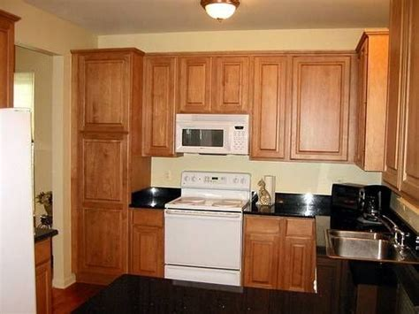 how to clean maple kitchen cabinets how to clean kitchen cabinets using murphy soap cabinets 8573