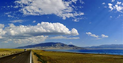 新疆北疆自然风光 公路 4k风景图片-壁纸下载-www.pp3.cn