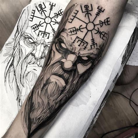 wikinger unterarm wikinger symbole runen arm svefnthorn motive