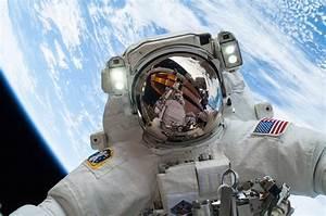 Astronaut Helmet Reflection | www.imgkid.com - The Image ...