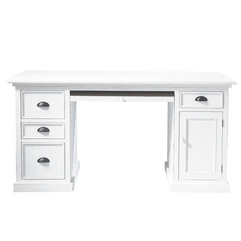 bureau 150 cm bureau en pin blanc l 150 cm newport maisons du monde