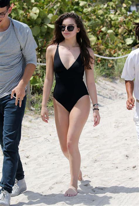 hailee steinfeld  black swimsuit   gotceleb