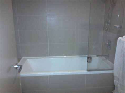 how to reseal bathroom tile 28 images services tiling