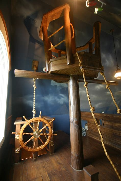 Pirate Ship Interior Design For 6 Year Boy by Jedlel And Dramatic Critic Ultimate Pirate Ship Bedroom