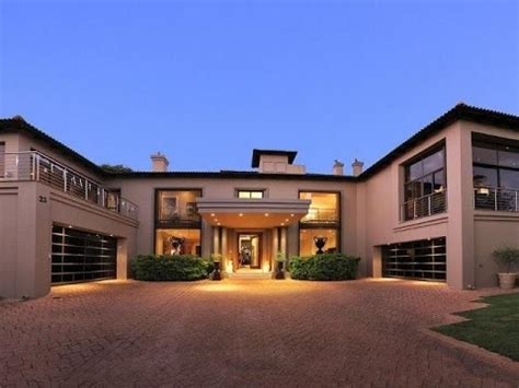 7 Bedroom House For Sale in Woodhill, Pretoria, South
