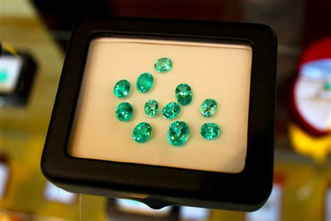 beautiful emeralds el refugio del sol