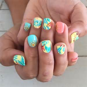 Holiday nail design for summer