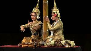 Classical Khmer Apsara dance from Cambodia - YouTube