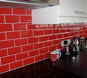 le carrelage metro en 40 idees deco With carrelage mural rouge pour cuisine