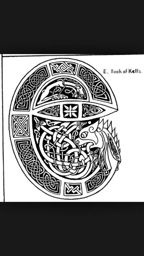 Awesome design derived from The Book of Kells. #Celtictattoolettering | Historia
