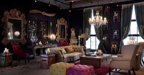 steampunk living room decor    gear turns