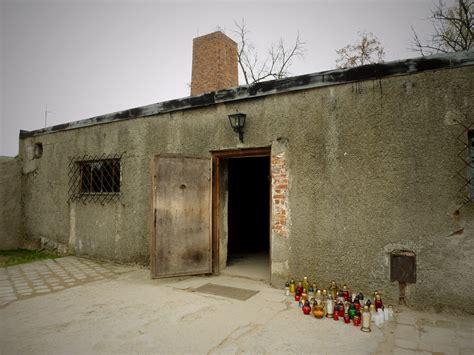 chambre à gaz et crématorium auschwitz birkenau pologne
