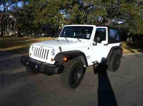 Sell Used 2011 Bright White Jeep Wrangler Sport 2-door 3