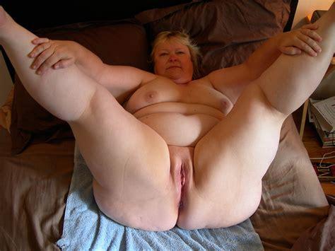 bbw legs spread pussy mature nude