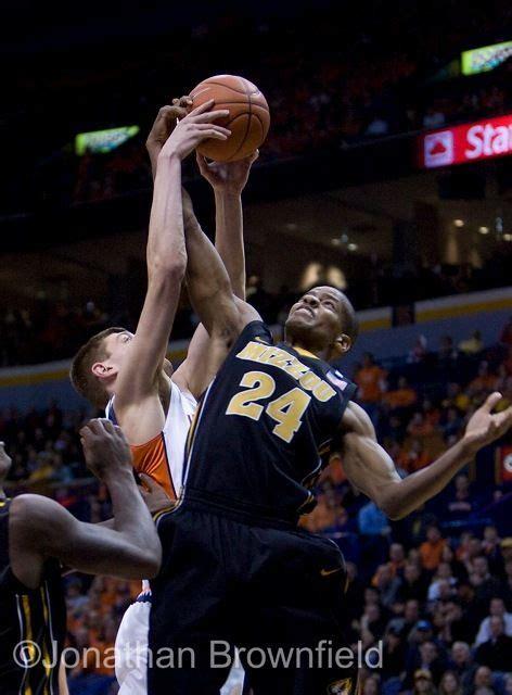 university  missouri tigers basketball player defends