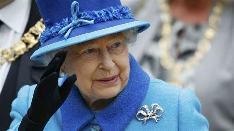 Queen Elizabeth Ii To Become Britain's Reigning Champion