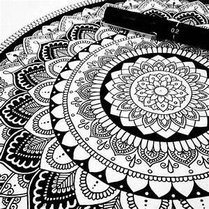 Schöne Muster Zum Selber Malen : 1001 ideen zum thema mandala malen ausf hrliche anleitungen ~ Orissabook.com Haus und Dekorationen
