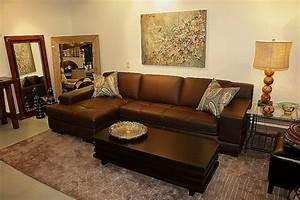 Wohnzimmer Mit Brauner Couch : braunes sofa ein must have zu hause ~ Markanthonyermac.com Haus und Dekorationen