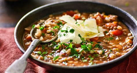 cooked hearty vegetable and lentil soup diy