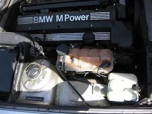 Bruit Quand Je Tourne Le Volant : e34 m5 1995 ou se trouve le r servoir de da r solu ~ Maxctalentgroup.com Avis de Voitures