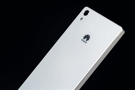 low cost samsung smartphones huawei to concentrate on high end smartphones digital trends