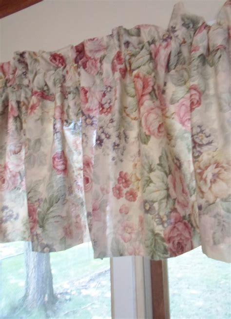 shabby chic curtains used vintage shabby cabbage roses cottage chic ruffled curtains valances 85 quot x19 quot x 2 ebay