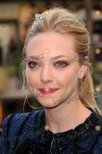 Photos and Pictures - Amanda Seyfried at a In Store ...