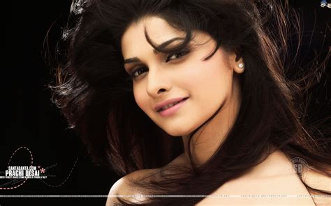 Bollywood Hot Actress Hot Scene Prachi Desai Hot Photos