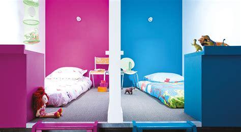 amenagement chambre 2 lits chambres d 39 enfants des espaces mitoyens sous les combles