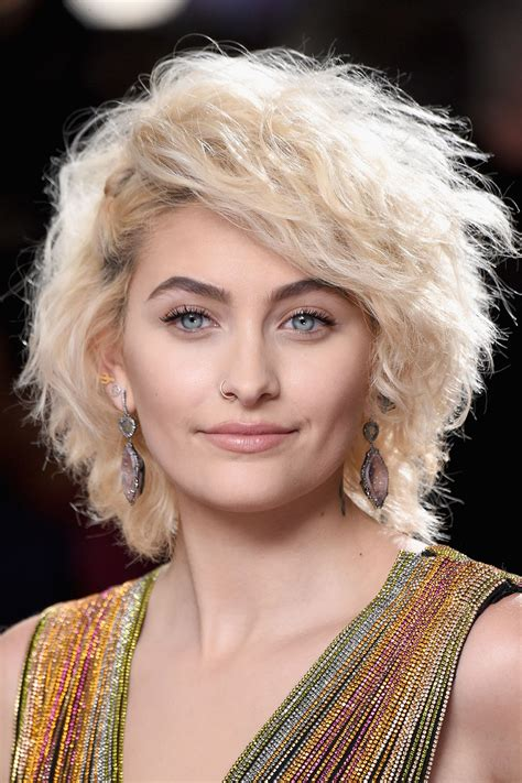 Rolling Out The Red Carpet by Paris Jackson S Grammys 2017 Makeup Pret A Reporter