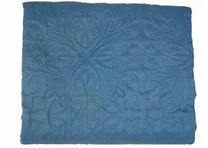 Couvre Lit Bleu : boutis bleu ~ Teatrodelosmanantiales.com Idées de Décoration