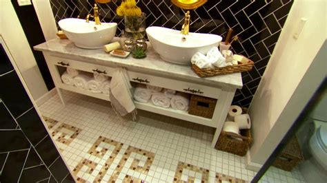 Hgtv Bathroom Decorating Ideas by A Bathroom With Yellow Vintage Tile The Most Impressive