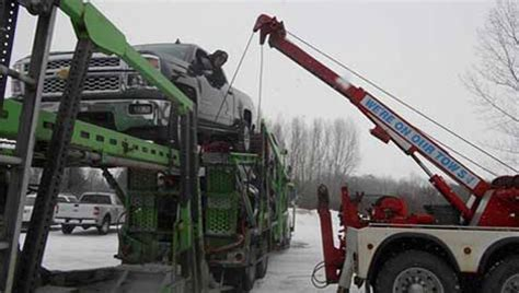 towing recovery service  quality truck tire service