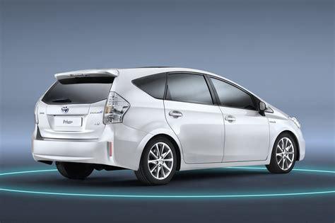 Toyota Prius by Ezinecar Toyota Prius Plus 2013