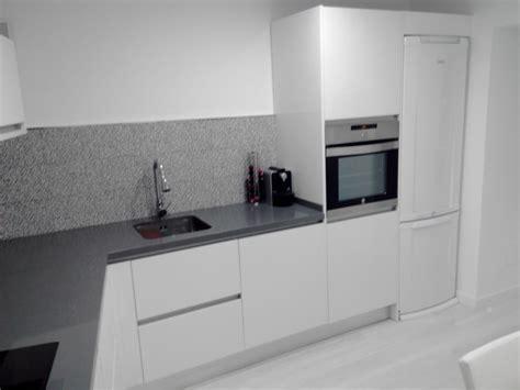 foto cocina  tirador gola de jac cocinas  armarios