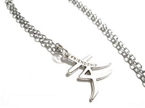 Kanji Necklace Traumspuren