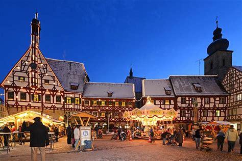 der schönste weihnachtsmarkt in deutschland der sch 246 nste adventskalender der welt in forchheim