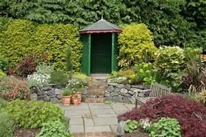 Gartengestaltung Kleine Gärten Bilder : kleine g rten harmonisch gestalten mein sch ner garten ~ Frokenaadalensverden.com Haus und Dekorationen