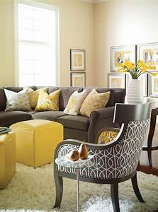 Yellow living rooms gray grey and room walls pictures for Yellow wall living room decor