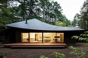 Modern House In Japan Looks Like Fallen Leaves