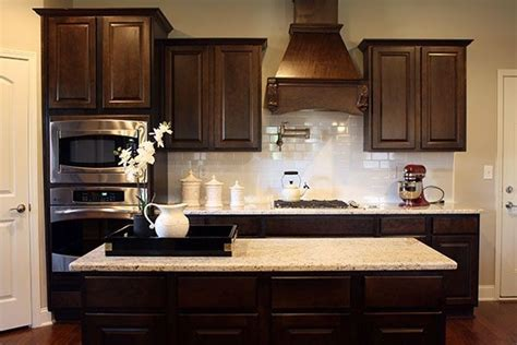 how to do a backsplash in the kitchen cabinets white subway tile backsplash and 9730