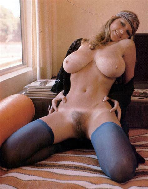 Roberta Pedon Via Nsfw2 Hairy Pussy Tag Bottomless