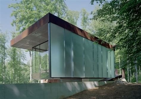 Mountain Tree House in Georgia encompasses a beautiful