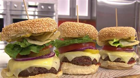 how to make hamburgers bobby flay shows how to make the best burger today com