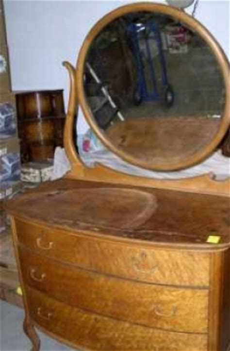 antique birdseye maple dresser with mirror antique birdseye maple dresser mirror 364284
