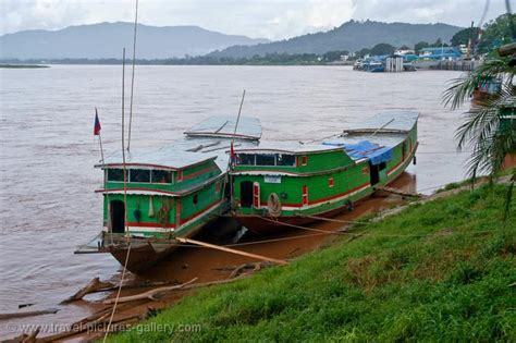 Pictures Of North River Boats by Pictures Of Thailand Chiang Saen 0007 Traditional Cargo